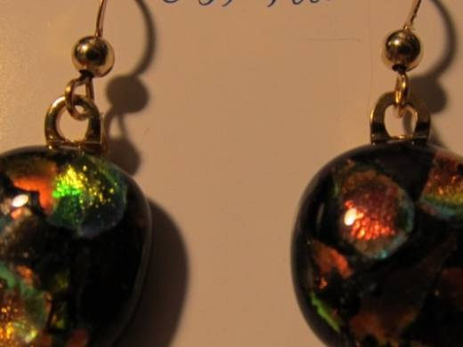 ohgw black with dichroic chips in red and gold