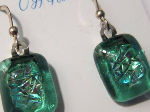 ohgw light cathedral green base with large dichroic green crinkle glass insert