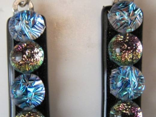 ohgw black base with 5 alternating dichroic cabochons