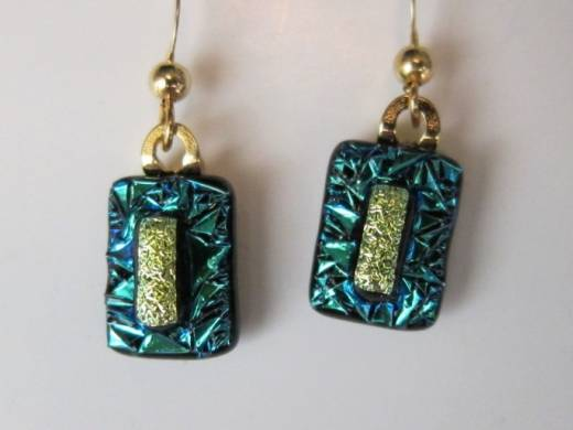 ohgw teal dichroic crinkle glass on black base with gold dichroic insert