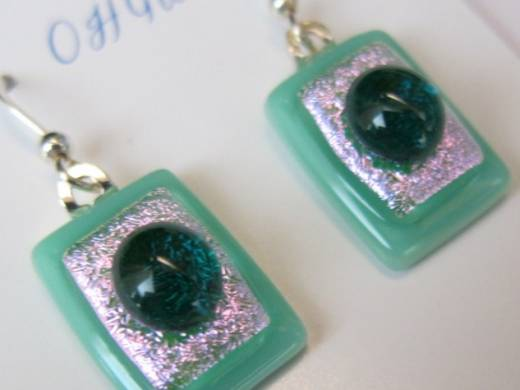 ohgw opaque jade green base with pink dichroic insert and green cabochon