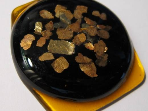 ohgw amber with black disc and mica chips