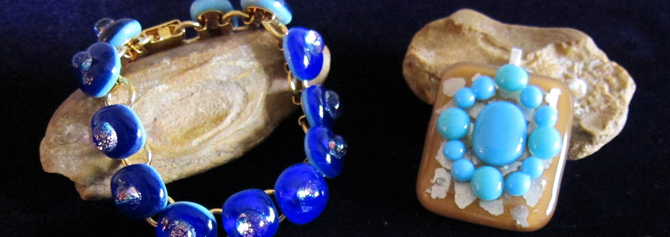 Blue Bracelet Image - Old House Glass Works